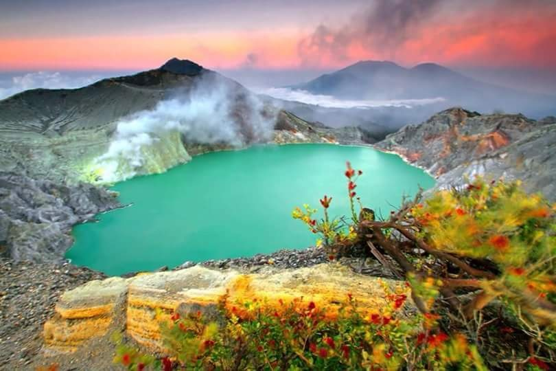 Ijen Crater tour from Bali 2D1N, ijen crater blue fire tour