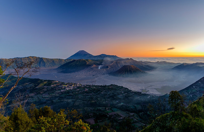 Bromo tour from surabaya, bromo surabaya tour package 2D1N